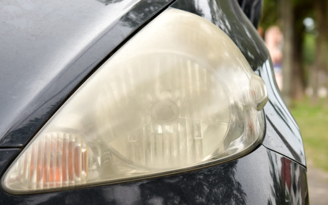 How Can You Fix Foggy Headlight of Your Car