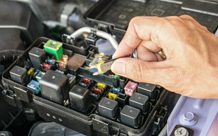 Mercedes Aluminum Fuse Check